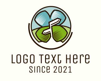 Lucky Tourist Logo