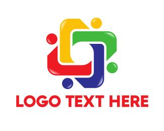 Crowd - Human Chain logo design