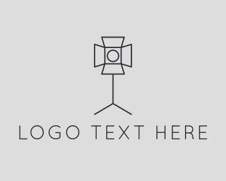 Simple - spotlight logo design