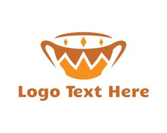 Queen - Gold Royal Mug logo design