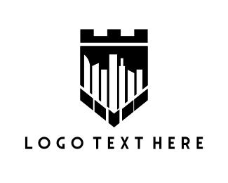 Royal - Royal Town logo design
