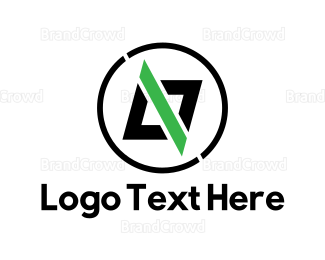 Html - Slash Code logo design