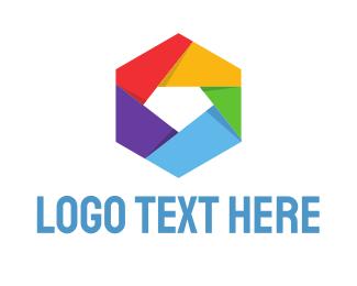 Multimedia - Camera Shutter logo design