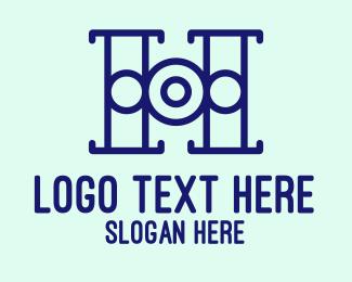 Target Locked - Target Letter H logo design
