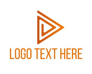 Triangle Maze Play Logo