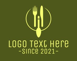 Green Minimalistic Utensils Logo